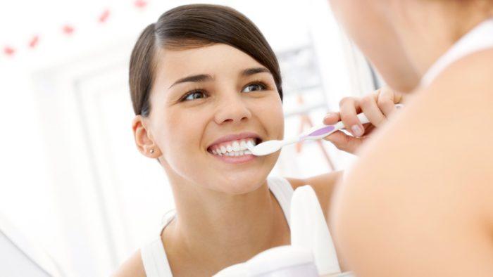 Какая зубная щетка лучше электрическая или обычная