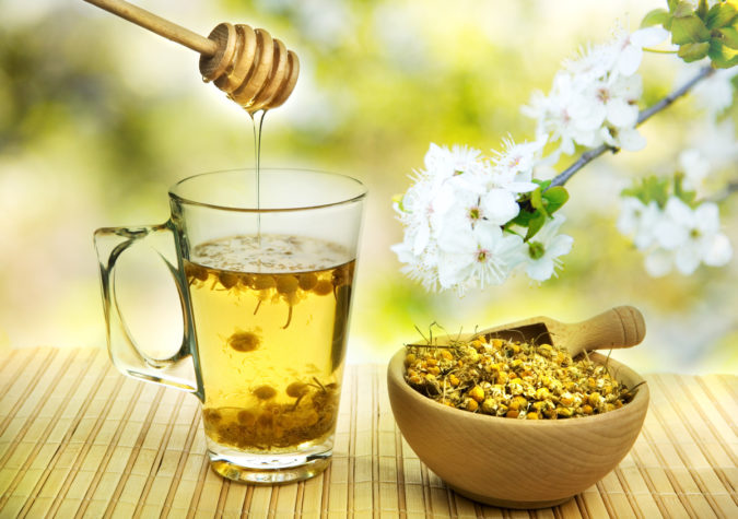 Можно ли лечить стоматит медом?