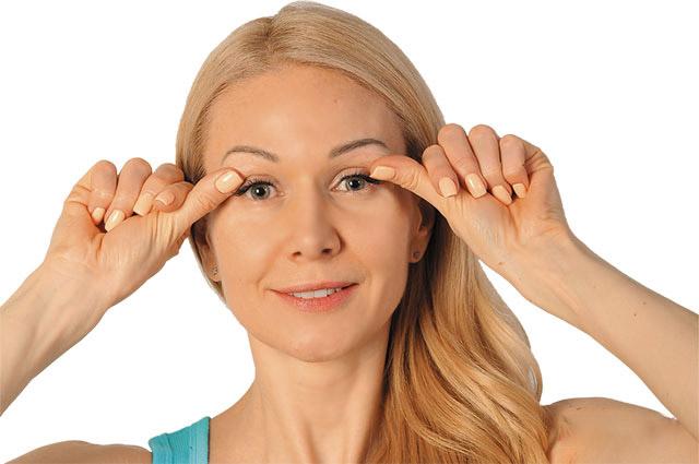 Сохраняем молодость и здоровье век вокруг глаз