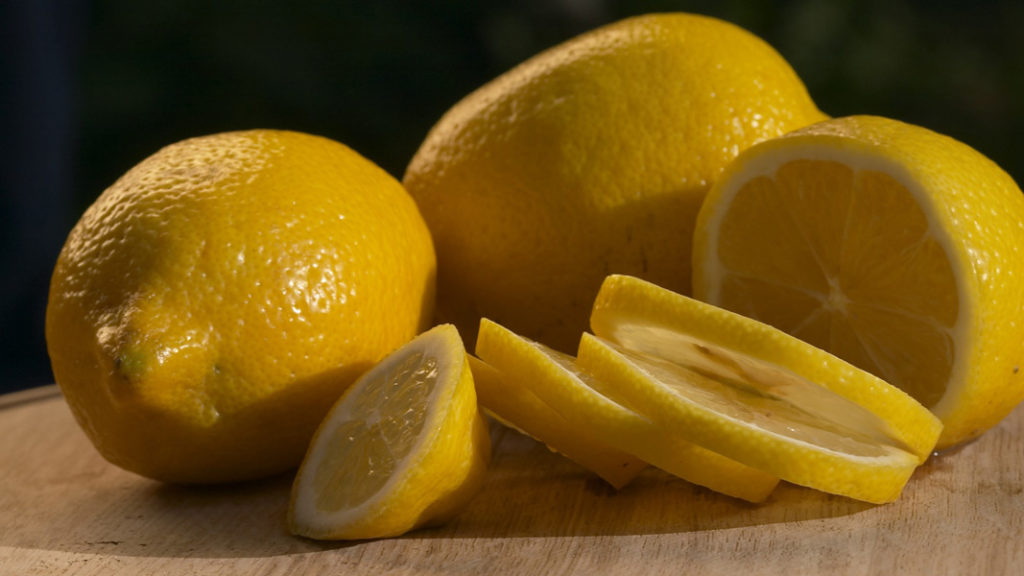 Эти фрукты помогут вернуть здоровье и поддержать кожу молодой
