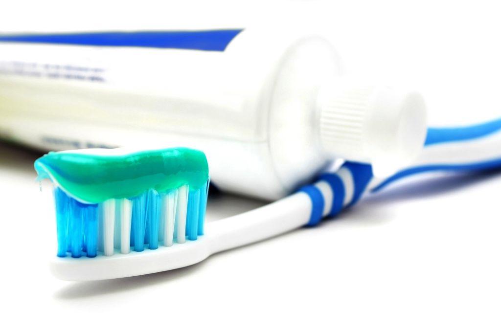 Зубная паста с фтором