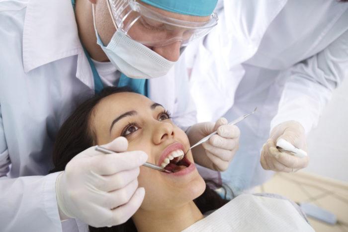 Почему болит зуб после пломбирования при накусывании?