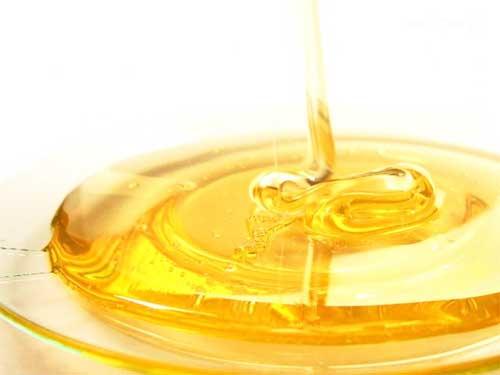 Почему мед полезен для кожи