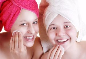 Уход за кожей лица в 18-25 лет