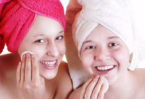Нужен ли уход за кожей в подростковом возрасте девочкам?