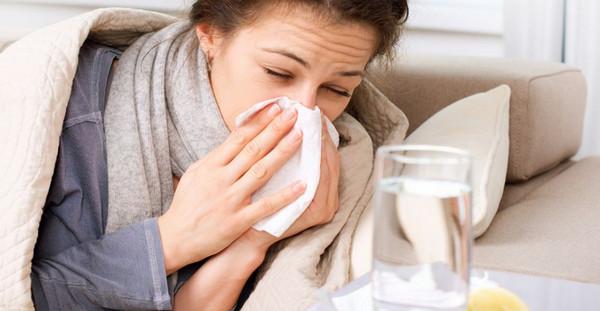 Больная вирусным гриппом