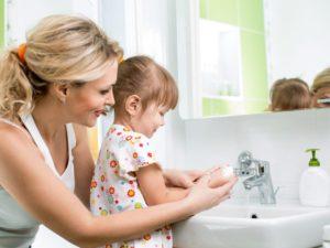 Правила ухода за кожей ребенка зимой