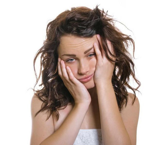 4 лайфхака помогут скрыть следы усталости на лице с утра