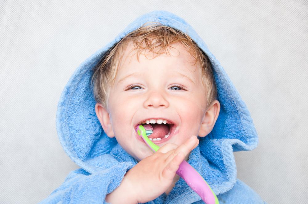 Как правильно выбрать детскую зубную щётку