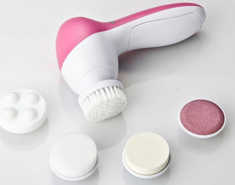 Электрический прибор для очищения лица