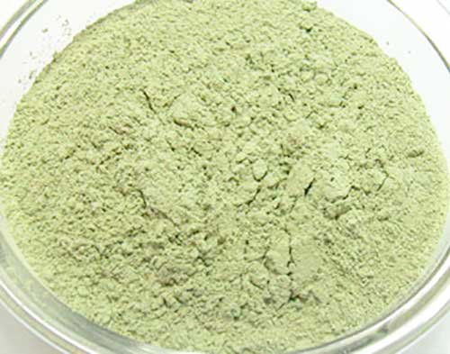 Зеленая глина для создания масок от пятен
