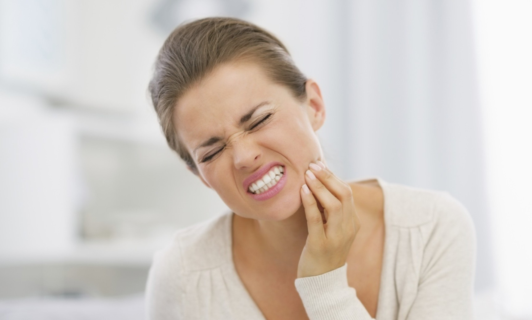 Оголенный нерв зуба: что делать?