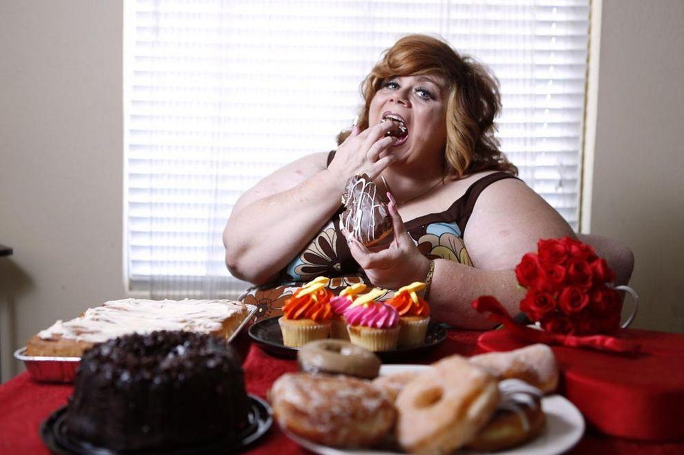 Как удержать себя от соблазна и не набрать лишний вес в период праздников?