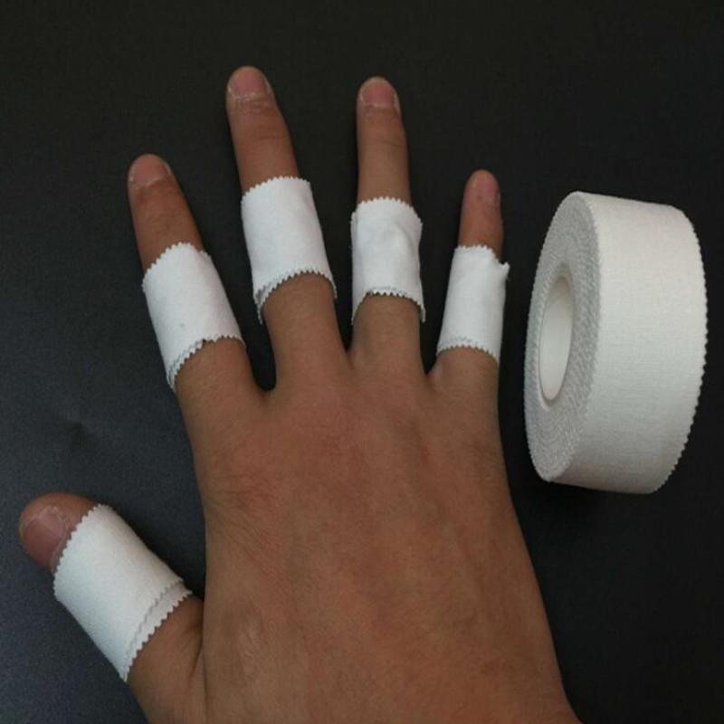 пластырь на пальцах