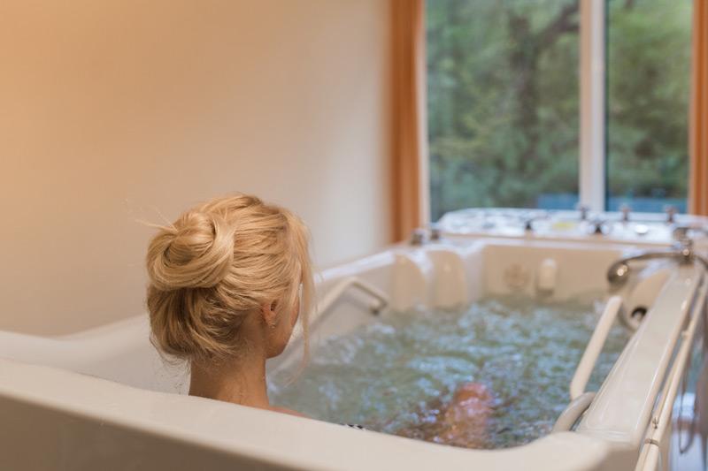 Польза гидромассажных ванн для кожи