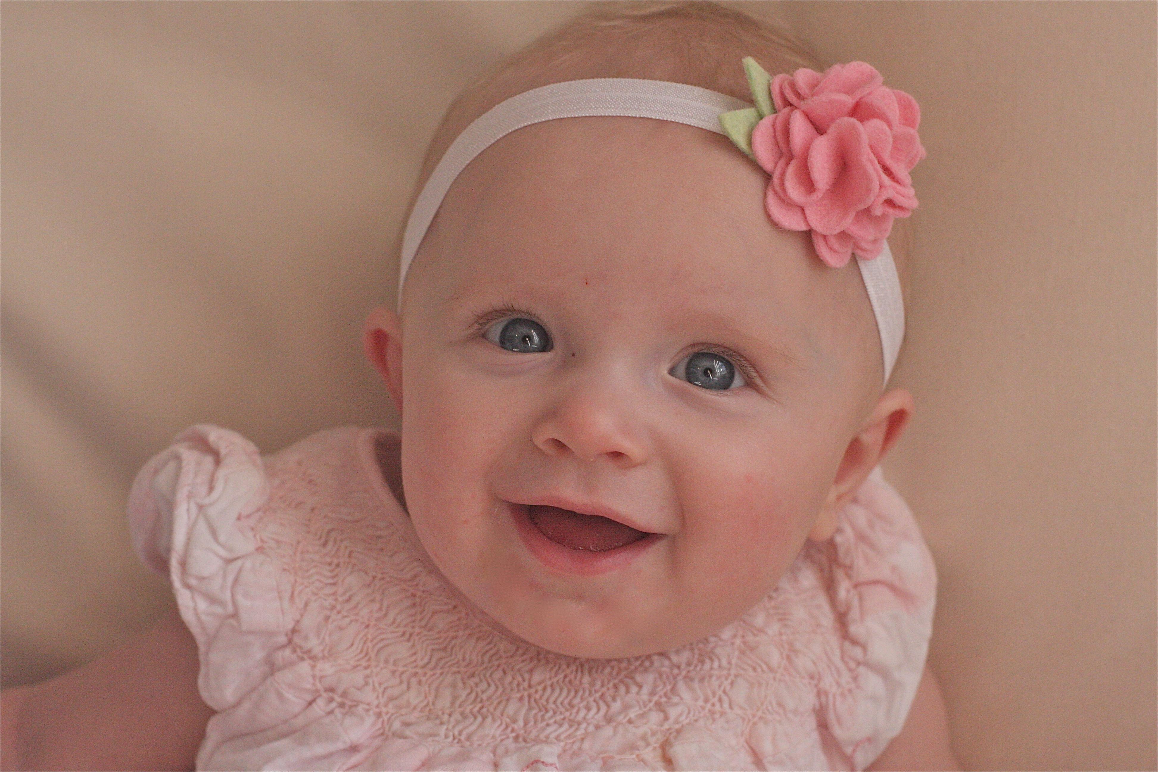У ребенка в год нет зубов. Это нормально?