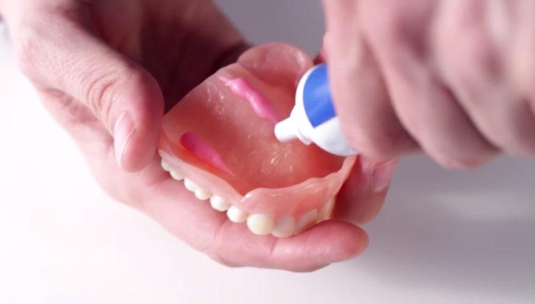 Все про клей Корега для зубных протезов