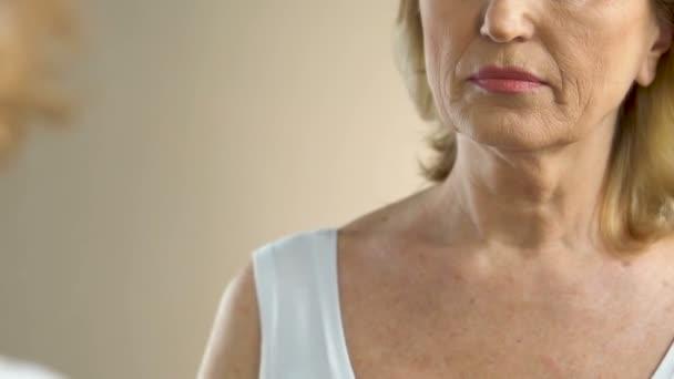 Эти простые маски из косметических масел подтянут кожу и замедлят старение