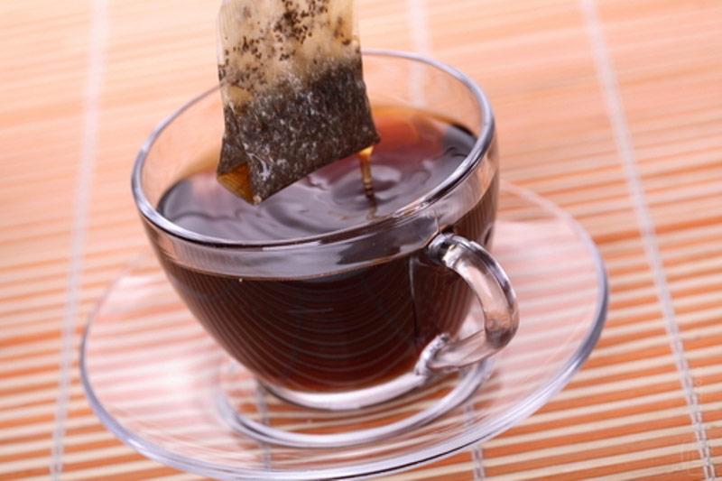 пакетик черного чая