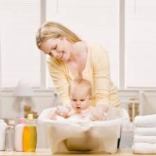 Лучшие ингредиенты для купания детей – они сохранят кожу малыша здоровой
