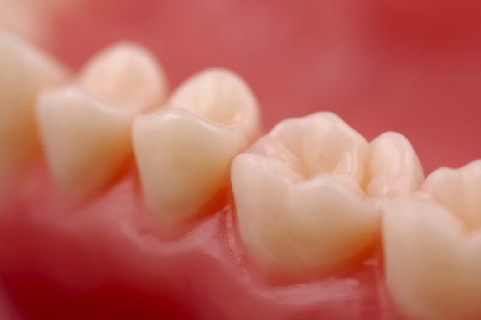 Чем укрепляют зубы и десна