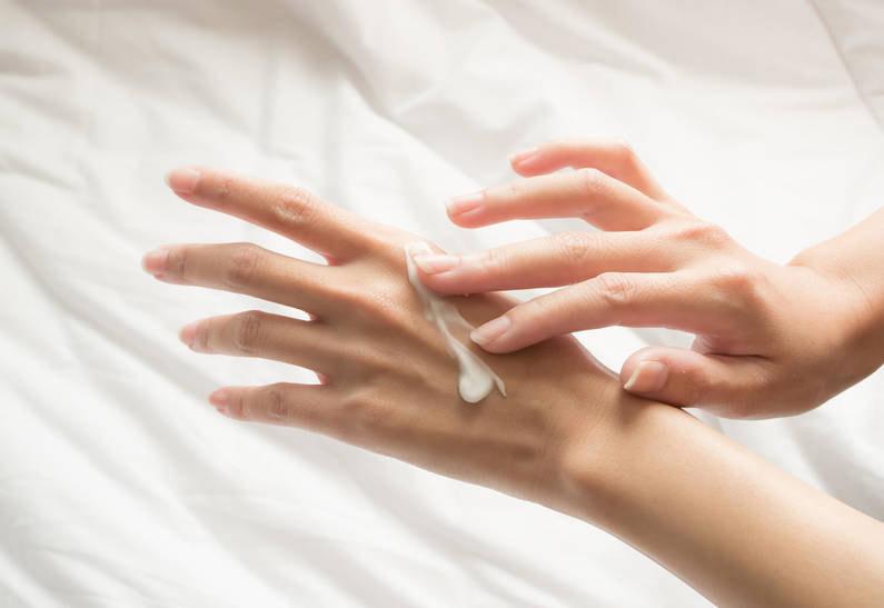 Как восстановить кожу рук после ношения медицинских перчаток? + Лайфхак