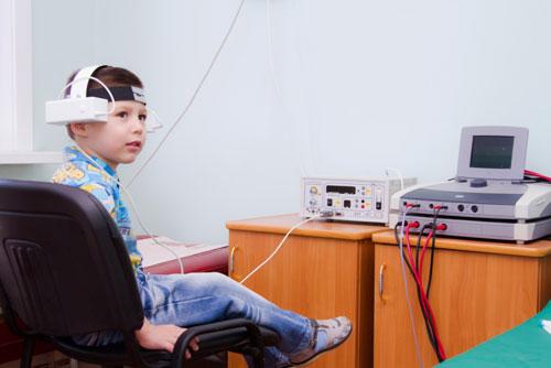 Ребенок в отделении физиотерапии