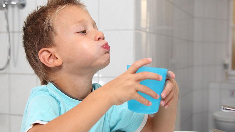 Полоскание ротовой полости ребенок
