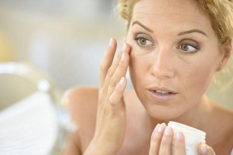 Из-за этих ежедневных привычек кожа лица становится жирной