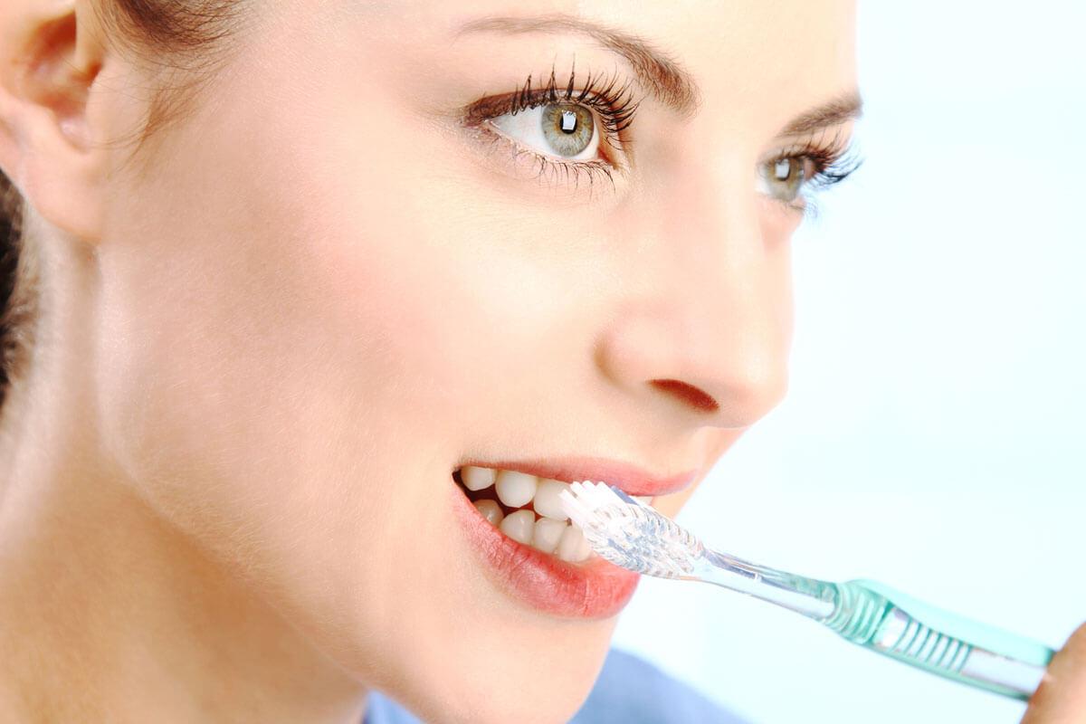 Болит десна после удаления зуба: что делать