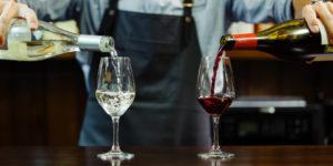 Вино поборет старость или навредит организму. Чем оно полезно нашей коже?