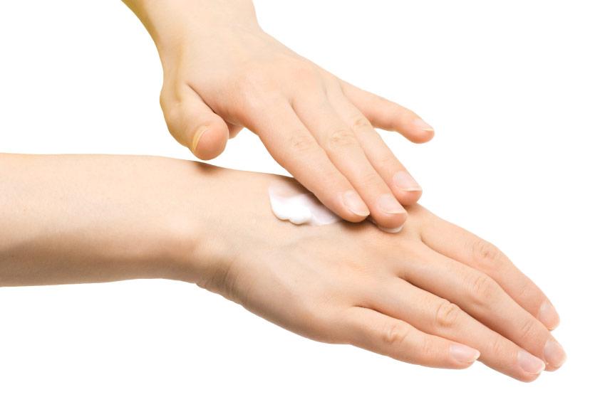 7 самых бесполезных кремов для рук – они не стоят Вашего внимания и денег