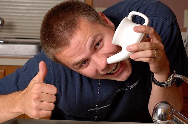 От соплей поможет промывание носа