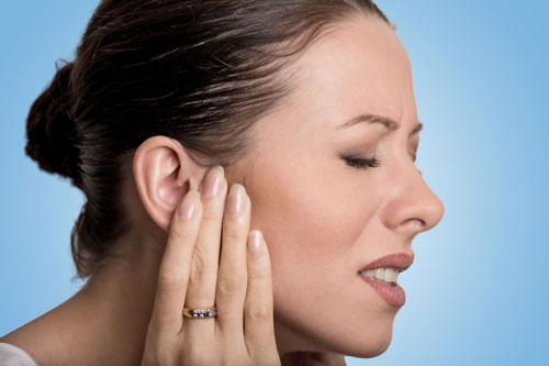 Стреляющая боль в ухе