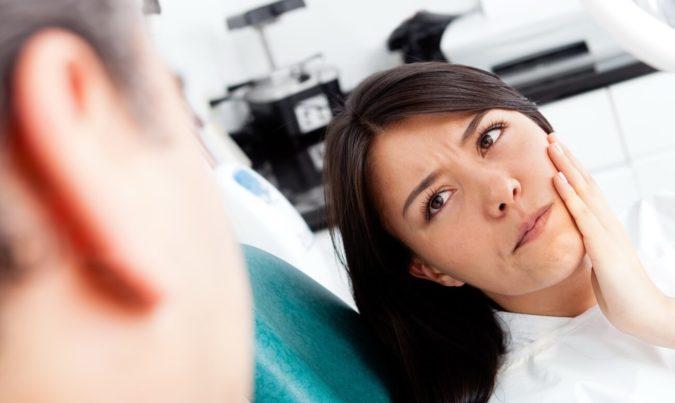 Что можно сделать, если после удаления зуба остался осколок?