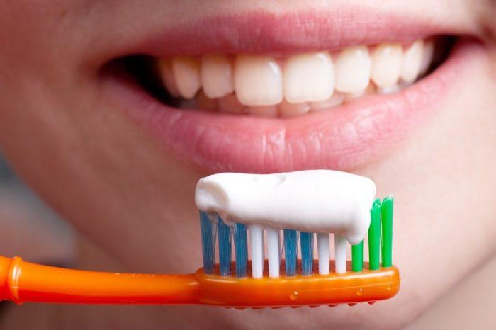 Стоит ли использовать зубную пасту от пародонтоза?