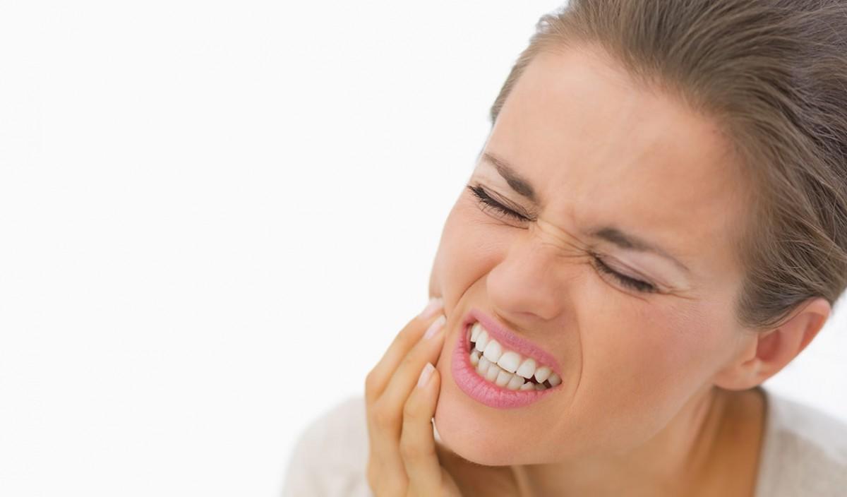 Можно ли лечить зубы, если болит горло