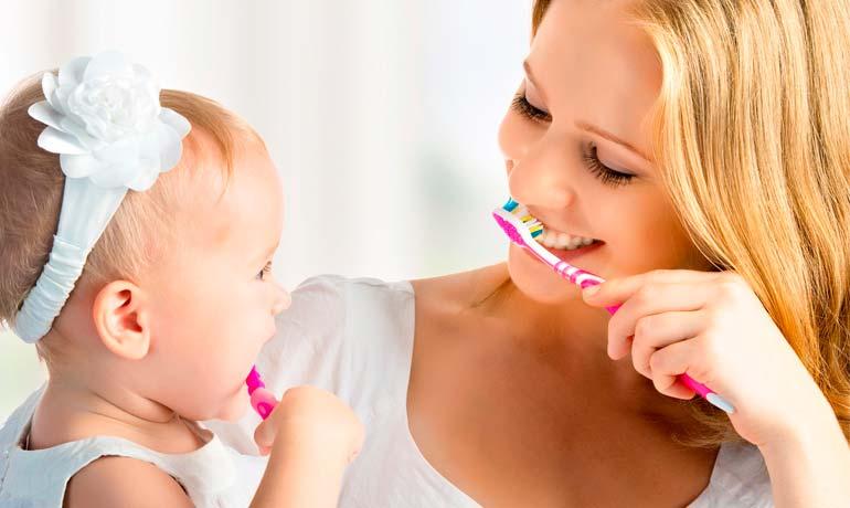 чистка зубов у малышей