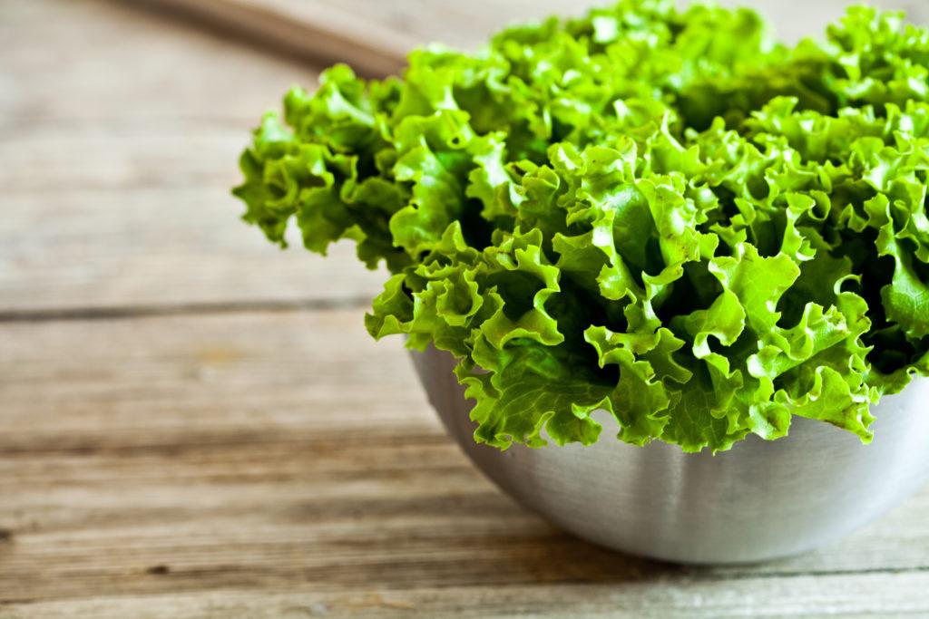 листовой зеленый салат