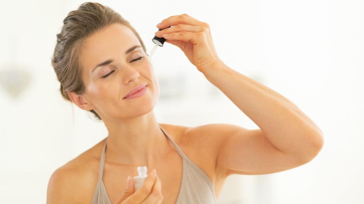 В каком порядке наносить уходовые средства на кожу лица, чтобы не навредить?