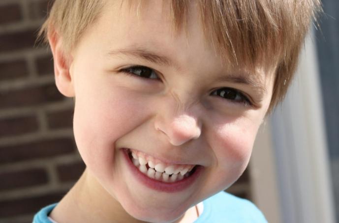Есть ли нервы в молочных зубах: удаляют ли нервные окончания у детей?
