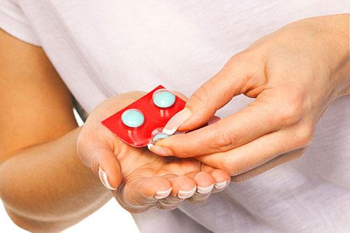 Прием лекарственных препаратов (антибиотиков)