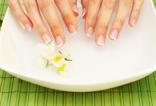 Натуральные средства лечения трещин на коже рук