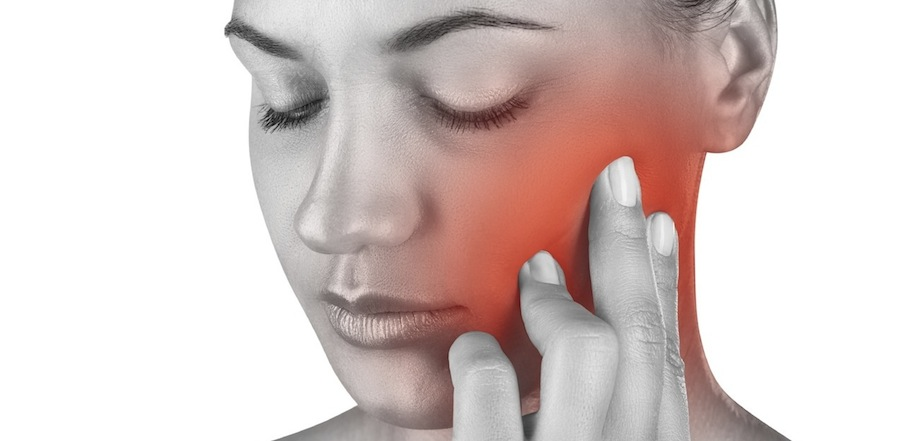 Болит челюстной сустав