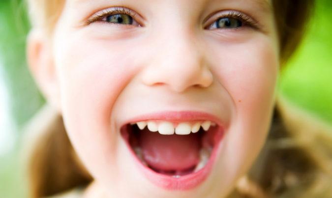 Почему может появляться у ребенка кислый запах изо рта?