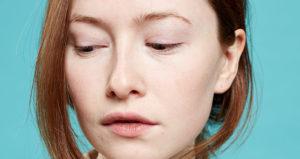 Важно! Какие средства стоит использовать при снятии макияжа?